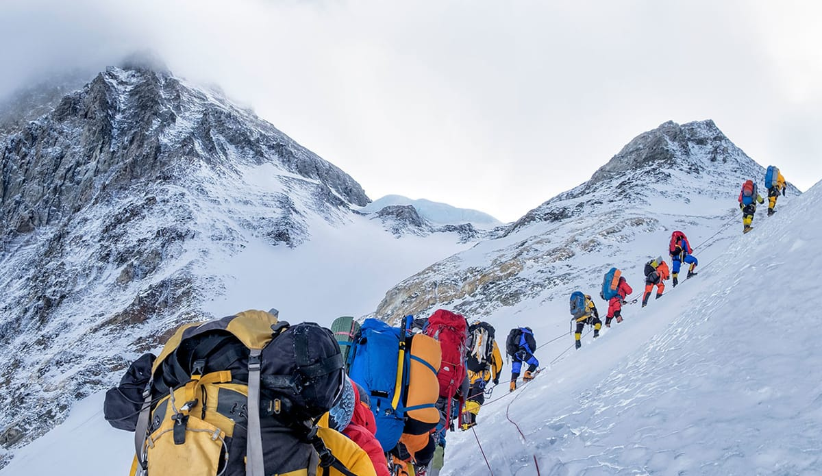 When Will The Everest Climbing Season End